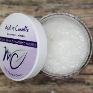 Pot de gommage au sel marin de Miel et Cannelle